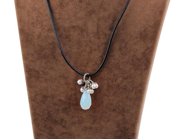 Náhrdelník opalit a biele perly