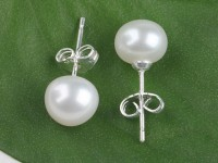 Prepichovacie náušnice biela riečna perla 8-8,5mm
