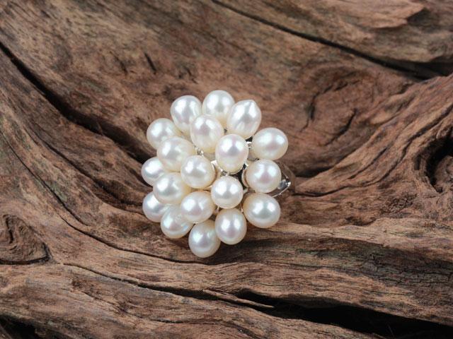 Prsteň biela riečna perla v tvare kvetu