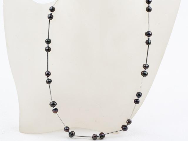 Jednoduchý náhrdelník čierne riečne perly