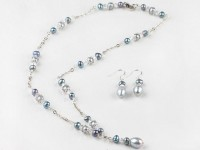 Súprava náhrdelník a náušnice sivé a strieborné riečne perly a krištáľ