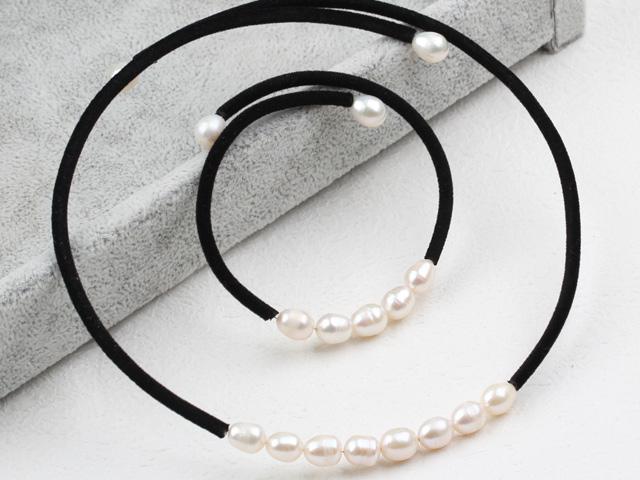Súprava náhrdelník a náramok biele riečne perly