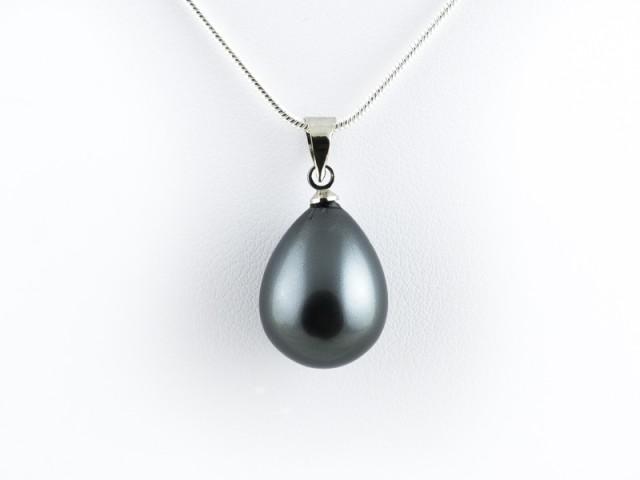 Prívesok čierna shell perla