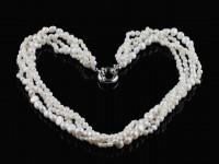 Štvorradový náhrdelník biele riečne perly