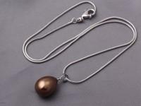 Náhrdelník hnedá shell perla a hadia retiazka