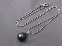 Náhrdelník čierna shell perla a hadia retiazka