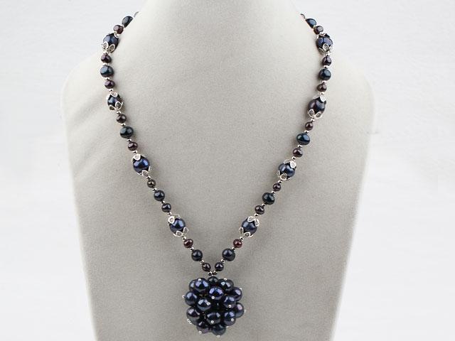 Náhrdelník čierne riečne perly a prívesok z perál