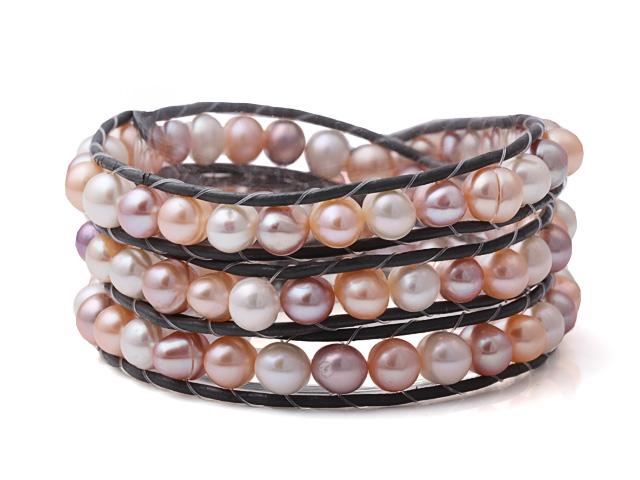 Náramok biele, ružové a fialové riečne perly v koži