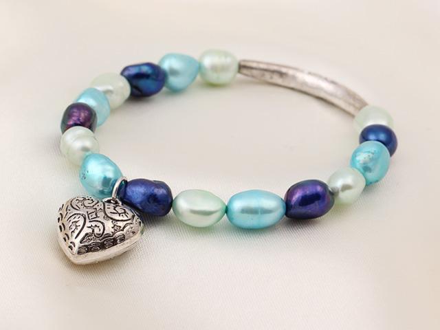 Náramok modré riečne perly s príveskom srdiečko