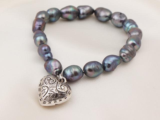 Náramok čierne riečne perly s príveskom srdiečko