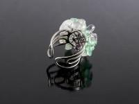 Nastaviteľný prsteň sekaný fluorit