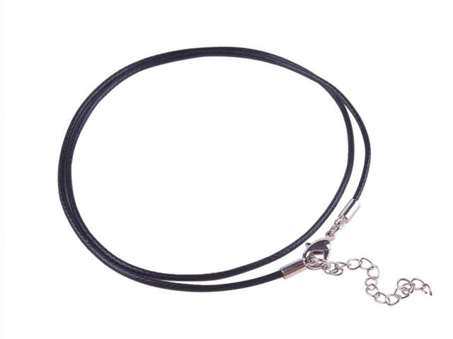 Čierna bavlnená voskovaná šnúrka s karabínkou 46cm