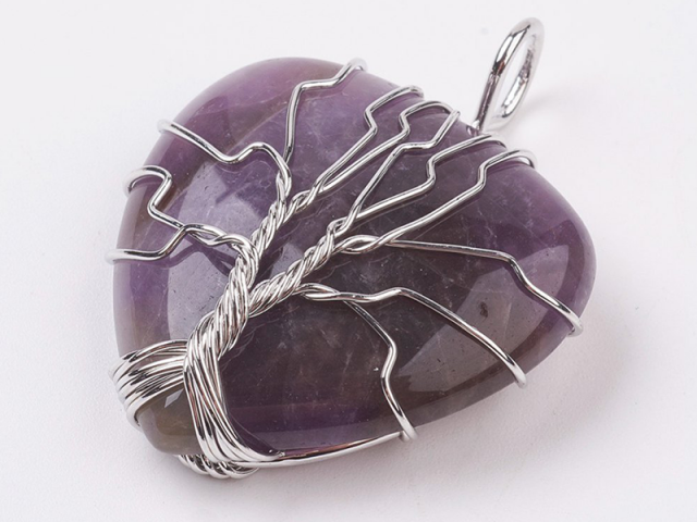 Drôtovaný prívesok strom života a srdce ametyst